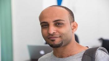 """اعتقال صحافي وناشط يمني في الكويت لـ""""تغيبه عن الدوام"""""""