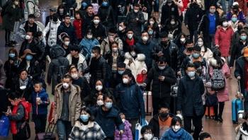 عدد المصابين بكورونا يزداد مجددا في الصين وركود محتمل باليابان وسنغافورة