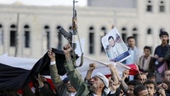 """مليشيات الحوثي تجبر التربويين على حضور دورات طائفية رغم المخاوف من """"كورونا"""""""