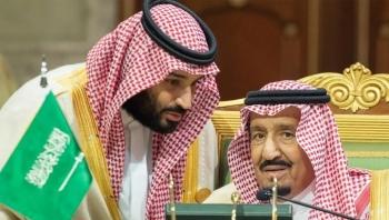 كورونا يصل العائلة الحاكمة بالسعودية.. والملك سلمان يعزل نفسه في قصر بجزيرة عند البحر الأحمر
