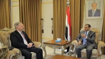 """الحكومة تصف إعلان الحوثيين السماح لفريق أممي بالوصول إلى خزان صافر بأنه """"مراوغة"""" لتخفيف الضغط الدولي"""