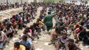 هيومن رايتس تروي واقعة مقتل عشرات الإثيوبيين حرقا في صنعاء وتتهم الحوثيين في الجريمة