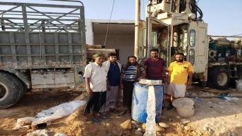 """المهرة : مكتب مياه الريف يدشن البئر رقم """"3"""" في وادي غبوري بمديرية قشن"""