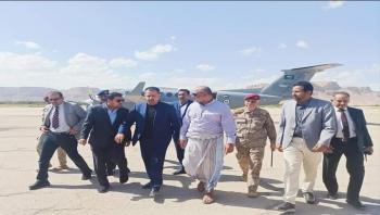 رئيس الوزراء يصل إلى مدينة سيئون عقب زيارة قصيرة إلى مأرب