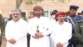 وزير الكهرباء والوكيل الأول ووكيل الشباب في زيارة عيدية لمنتسبي الجيش والأمن بالمحافظة