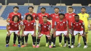 في هذه الدقائق منتخبنا يواجه المنتخب الأردني مع توقع أن يحصل على بطاقة التأهل للدور الثاني