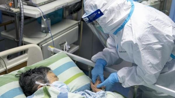 """""""كورونا"""" القاتل يرفع حصيلة الوفيات بالصين إلى 717 وأكثر من 34 ألف مصاب"""