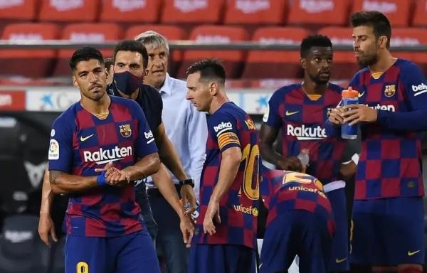 """8 لاعبين فوق الـ30 عاما.. برشلونة فريق """"الكهول"""""""