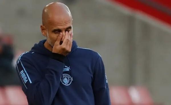 مدرب مانشستر سيتي حائر ويفكر ويسأل: لماذا نخسر؟