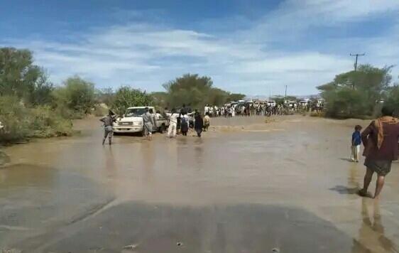 توجيهات حكومية بإغاثة متضرري السيول في الحديدة