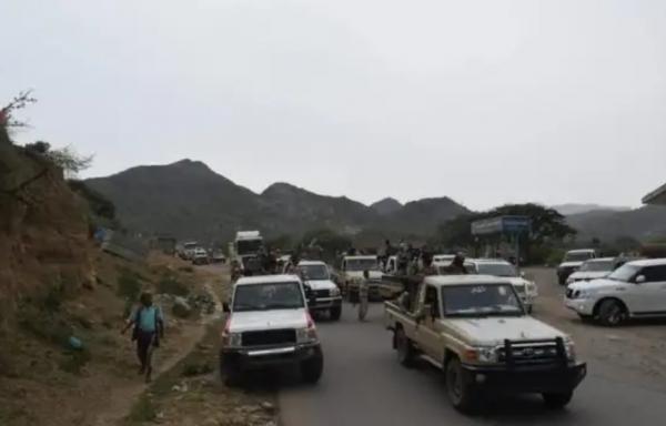 محور تعز: الحملة الأمنية نجحت في تأمين منطقة جبل حبشي وطرد المتمردين