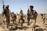 قوات الجيش تسيطر على مواقع هامة في جبهة المخدرة ومصرع عشرات الحوثيين