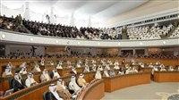 البرلمان الكويتي يبايع مشعل الأحمد وليا للعهد