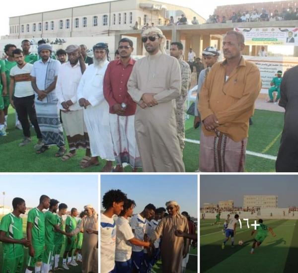 الوكيل الأول يسلم الجزع كأس العيد الـ 57 لثورة الـ14 إثر فوزه على حوف في دوري المهرة التصنيفي