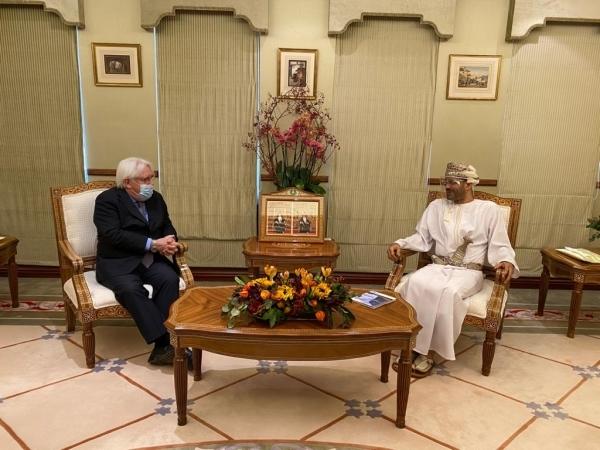 """غريفيث يختتم زيارة لعمان بحث خلالها """"الإعلان المشترك"""" لحل أزمة اليمن"""