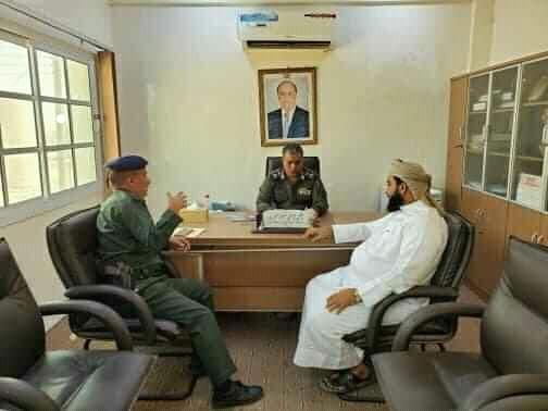 المهرة : مدير عام الأمن يلتقي مدير مديرية حصوين للاطلاع على احتياجات الجانب الأمني للمديرية