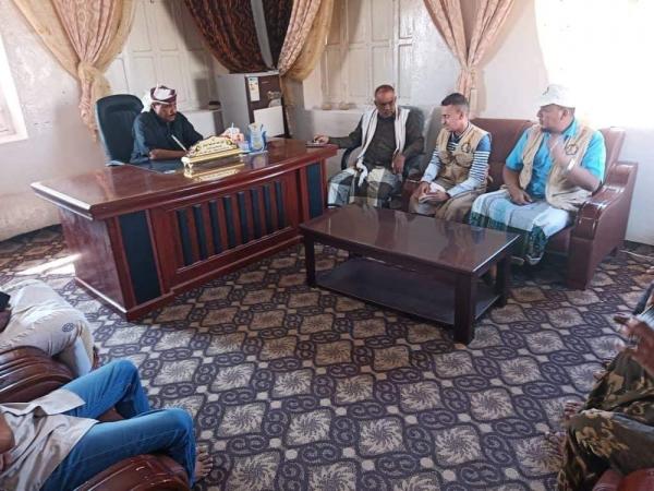 الشيخ الزويدي يناقش مع المدير التنفيذي لمؤسسة آيادي الخير للتنمية جملة من المشاريع التي تدعمها المؤسسة