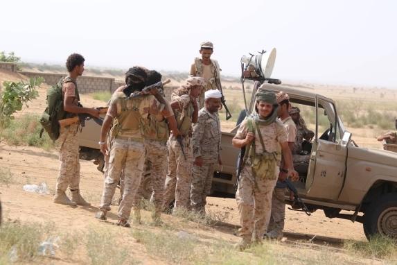 أبين .. الجيش يسيطر على جبل مديفين ويحكم الحصار على جبل الصراري القريب من جعار