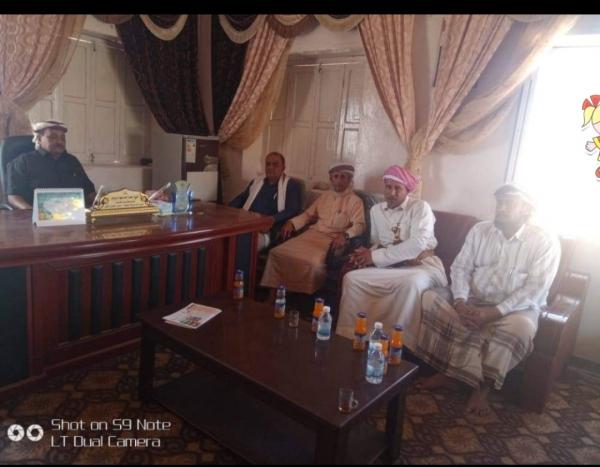 الشيخ الزويدي يستقبل بمكتبه مدير عام مديرية السوم التابعة لمحافظة حضرموت أثناء زيارة لمديرية سيحوت