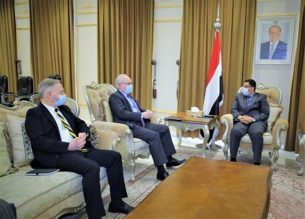 وزير الخارجية يبحث مع المبعوث الأمريكي مستجدات الأوضاع في اليمن