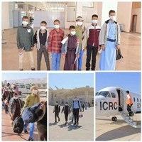 الجيش يسلم الصليب الاحمر (21) طفلا جندتهم مليشيا الحوثي للقتال في مارب