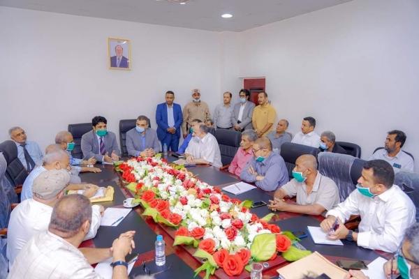 وزير الكهرباء ومحافظ عدن : يعقدان لقاءً موسعاً بقيادات قطاع الكهرباء بالعاصمة عدن