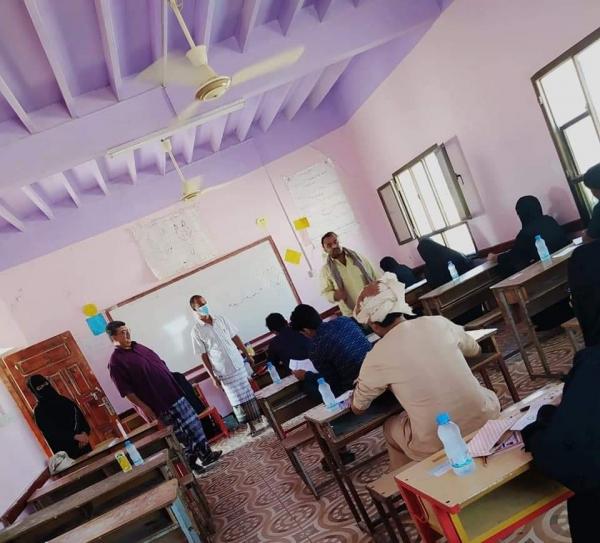 مدير عام قشن يدشن افتتاح المركز الامتحاني للتعليم المفتوح