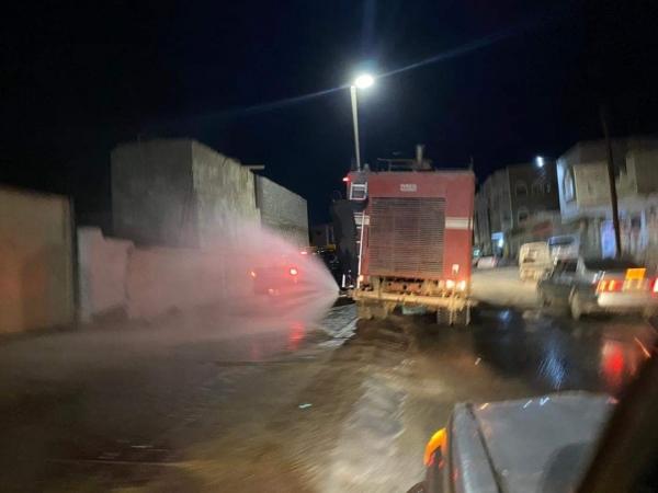 المهرة : حملة تعقيم ورش للمنشآت الحكومية والأسواق والشوارع بمدينة الغيضة