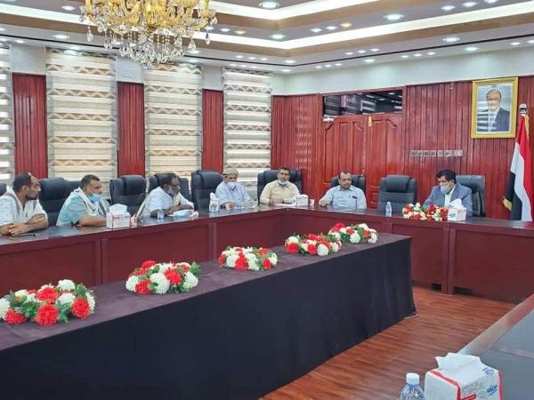 المهرة : اجتماع لجنة تسيير وتقييم الأعمال الجمركية بالمنافذ البحرية والبرية