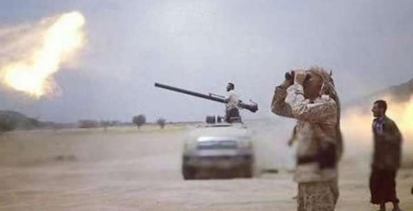مأرب : مدفعية الجيش تستهدف الحوثيين في جبهات صرواح وتكبدها خسائر