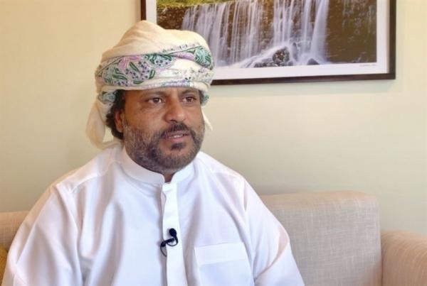 الشيخ بن ياقوت يقدم مكرمة لأبناء سقطرى القاطنين في محافظة المهرة