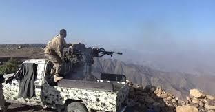 مأرب : الحوثيون يقصفون المدينة بصاروخين والجيش يشن قصف مدفعي على صفوف الحوثيين