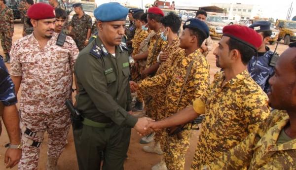 مدير أمن المهرة يوجه الوحدات برفع الجاهزية لحفظ الأمن في المحافظة