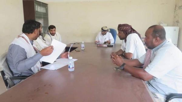 مناقشة تأهيل مشروع شبكة مياه منطقة محيفيف بمدينة الغيضة