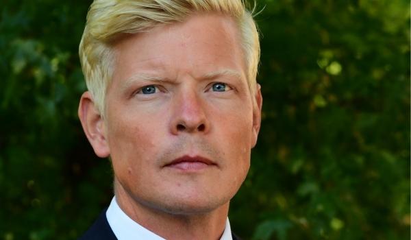 """الأمم المتحدة تعلن رسمياً تعين السويدي """"هانز جروندبرج"""" مبعوثا جديدا لليمن"""