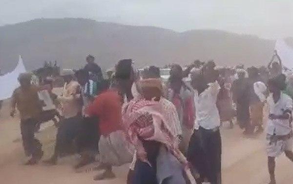 سقطرى :عرس جماعي يتحول إلى تظاهرة ضد الإمارات في الجزيرة