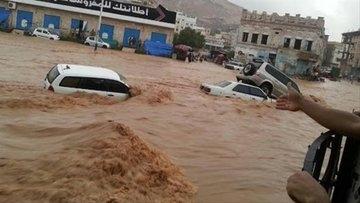 الأرصاد يتوقع استمرار هطول الأمطار ويحذر من المرور في الوديان وممرات السيول