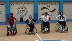 """""""سوا"""".. فريق دبكة على الكراسي المتحركة من غزة"""