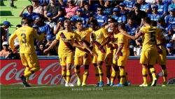 برشلونة يكسر اللعنة بفوز أول خارج الديار