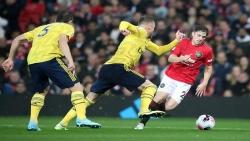 مانشستر يونايتد يواصل نزيف النقاط بتعادله أمام آرسنال