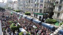 الإضرابات في الجزائر.. موجة جديدة للحراك أم هجوم للثورة المضادة؟
