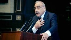 رئيس وزراء العراق يحث المحتجين على وقف المظاهرات ويقول إن الاضطرابات تلحق الضرر بالاقتصاد