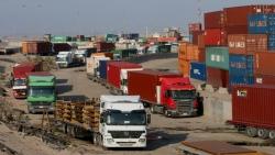 استئناف العمليات في ميناء ومصفاة نفطية بالعراق بعد رحيل محتجين