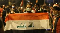 قوات الأمن العراقية تجبر محتجين على التقهقر لميدان رئيسي وتقتل خمسة