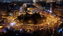 الطائفية والفساد والبطالة.. قواسم مشتركة بين المظاهرات في العراق ولبنان