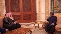 نائب وزير الدفاع السعودي يلتقي مع سلطان عمان في مسقط