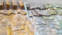 بهدف المصادرة لصالحها.. مليشيات الحوثيين تقر منع تداول الطبعة الجديدة من العملة المحلية