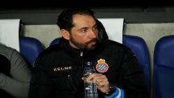 إسبانيول يقيل مدربه ماتشين بعد الهزيمة أمام ليجانيس