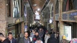 احتضار الاتفاق النووي وتشديد العقوبات الأميركية.. أي تداعيات اقتصادية واجتماعية على الإيرانيين؟