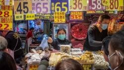 فيروس كورونا.. الصين تحظر تجارة الحيوانات البرية وأكلها ووفيات جديدة بإيران وإيطاليا